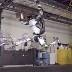 Новости компании Boston Dynamics — акробатические трюки робота Atlas и начало продаж робота Spot
