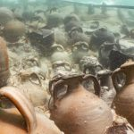 Возле Майорки найдены древние подводные сосуды. Там вино, которому 1700 лет