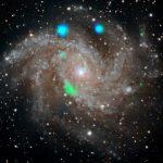 """Галактика """"Фейерверк"""" стала источником странных рентгеновских вспышек"""