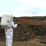 NASA представило перчатку для управления дронами на Марсе