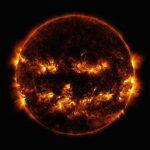 Жуткое Солнце итуманность-паук: страшные фото изкосмоса кХеллоуину