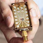 Ученые создали самый стабильный квантовый кремниевый чип, в основе которого лежат искусственные атомы