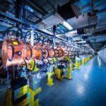 """Linac 4 – новый мощный линейный ускоритель, который будет """"кормить"""" протонами кольцо Большого Адронного Коллайдера"""